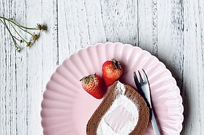 樱桃奶冻可可蛋糕卷