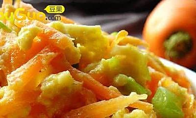 胡萝卜素不流失的小秘招:胡萝卜炒鸡蛋