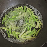 口蘑芦笋炒虾仁的做法图解18