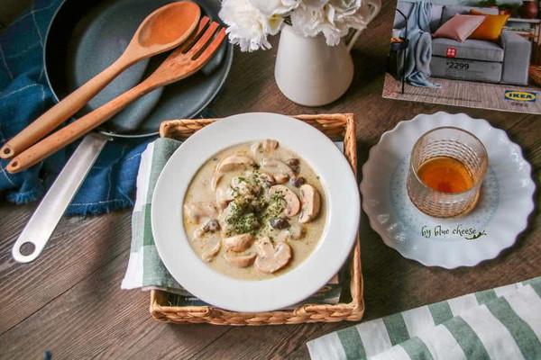 奶油鸡肉蘑菇汤