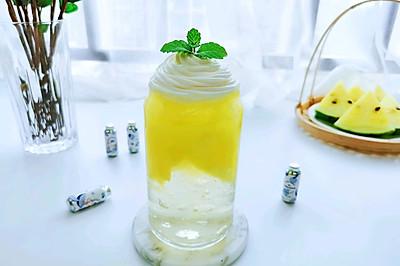 西瓜果冻气泡水