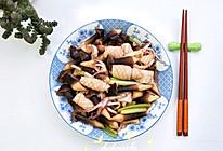 #春季减肥,边吃边瘦#黑鸡枞菌炒鲜鱿的做法
