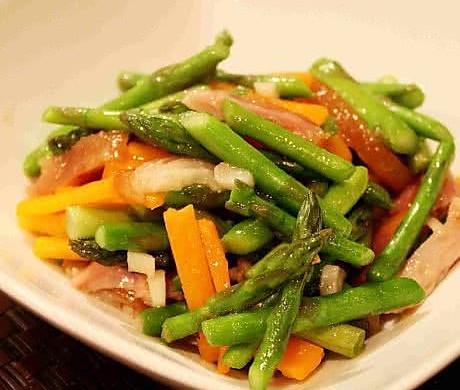 芦笋胡萝卜炒培根