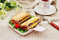 #夏日撩人滋味#鸡蛋蜜豆热压三明治的做法