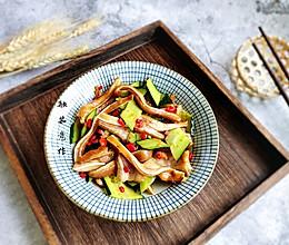 #精品菜谱挑战赛#黄瓜拌猪耳的做法
