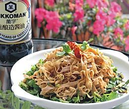 萬字纯酿造酱油试用——凉拌香菜百叶丝的做法