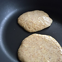 无油健康减脂早餐 香蕉全麦班戟的做法图解5
