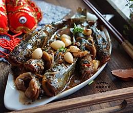 蒜烧黄颡鱼的做法