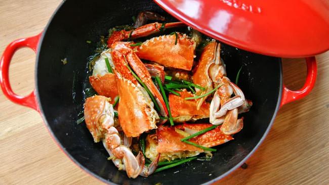 葱姜炒蟹的做法