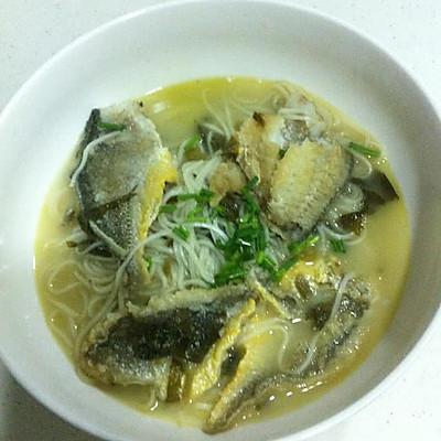 雪菜黄鱼煨面