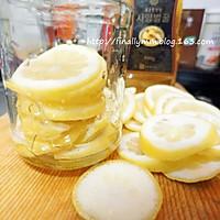 夏日健康减肥饮品:酿制新鲜柠檬蜂蜜茶的做法图解4