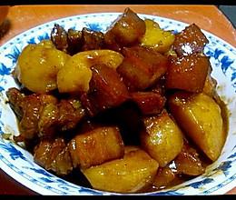 红烧肉炖土豆的做法