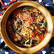 #快手又营养,我家的冬日必备菜品#红油鸡汤米线