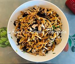 家常菜之7:黄花菜木耳小炒肉,干货泡发小技巧的做法