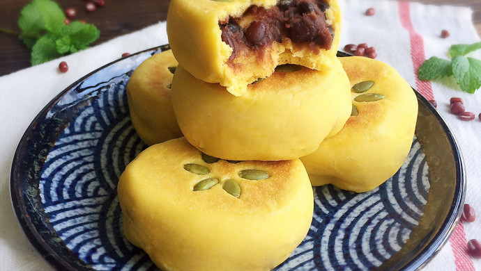奶香南瓜蜜红豆馅发面饼