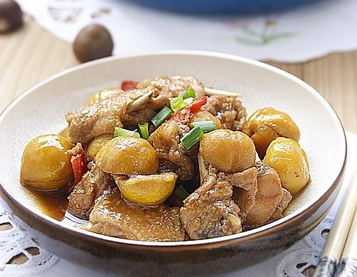秋冬季最应景的经典滋补菜肴——栗子炖鸡