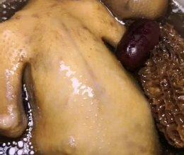 #美食视频挑战赛# 羊肚菌虫草花鸽子汤的做法