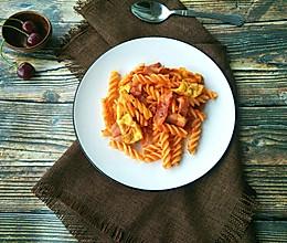培根蕃茄酱意面#10分钟早餐大挑战#的做法