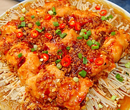 蒜蓉金针菇蒸鸡肉│鲜嫩多汁的做法