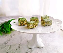 #令人羡慕的圣诞大餐#抹茶雪花酥的做法