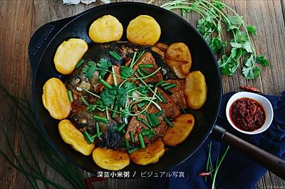东北铁锅炖鱼