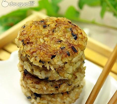 猪肉米饼——剩饭变身美味早餐的做法
