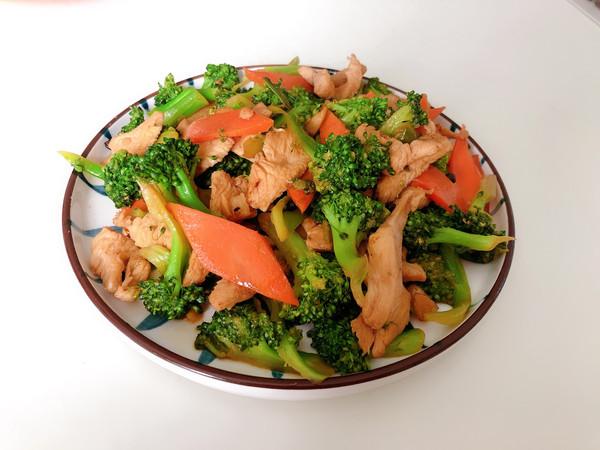 减肥必备餐~西兰花炒鸡胸肉的做法