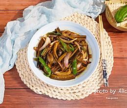 抗霾食谱~洋葱炒鳝丝的做法