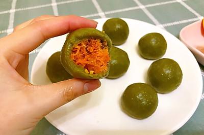 网红-咸蛋黄肉松青团