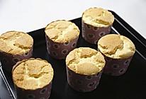 原味戚风纸杯蛋糕(烤箱做纸杯蛋糕)的做法
