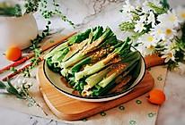 #餐桌上的春日限定#麻酱汁油麦菜的做法