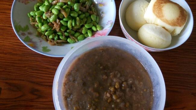 榨菜炒毛豆的做法