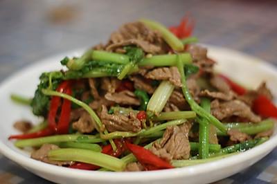 小炒黄牛肉芹菜