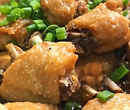 香菇鸡块,不用一滴油,做出来的鸡块滑嫩爽口,菇香味美的做法