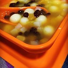 红豆圆子水果羹