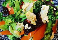 #太太乐鲜鸡汁玩转健康快手菜#鸡汁西兰花木耳炒鸡蛋的做法
