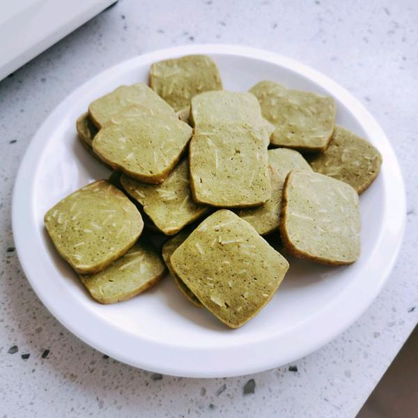 【酥脆微甜】抹茶杏仁曲奇饼干的做法