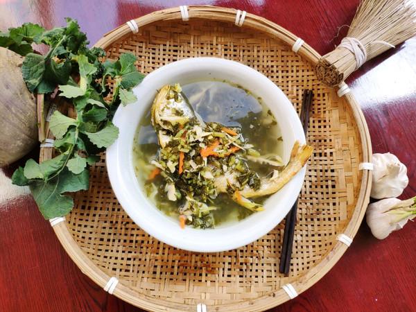 #新年开运菜,好事自然来#咸菜笋丝黄鱼汤的做法