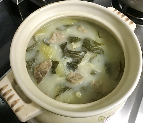 金银菜杏汁猪肺汤的做法