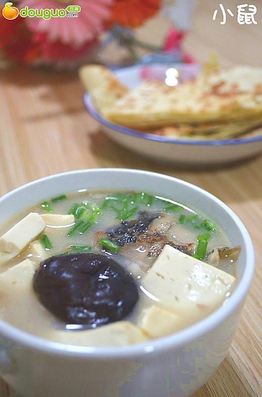 高蛋白低脂肪的好汤----鱼头豆腐汤的做法
