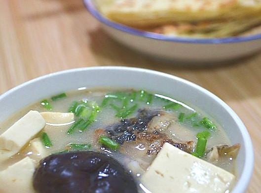 高蛋白低脂肪的好汤----鱼头豆腐汤