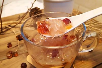 蔓越莓桃胶银耳汤(水炖法)