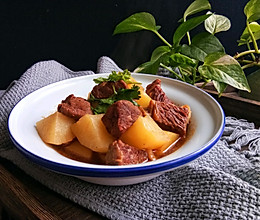 #一人一道拿手菜#红烧牛肉炖土豆的做法
