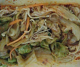 圆生菜拌金针菇的做法