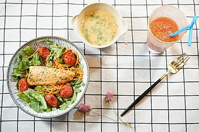 煎三文鱼配泰式花生黎麦沙拉