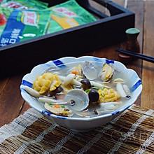 菌菇花蛤海鲜汤