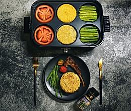 多功能料理锅--脆面猪柳蛋汉堡的做法