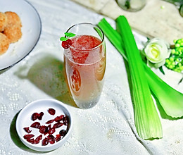 #春季减肥,边吃边瘦#西芹蔓越莓汁的做法