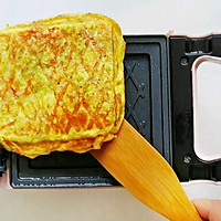 #全电厨王料理挑战赛热力开战!#万物皆可压的早餐机搞定三明治的做法图解5