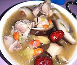 香菇鸡腿汤的做法